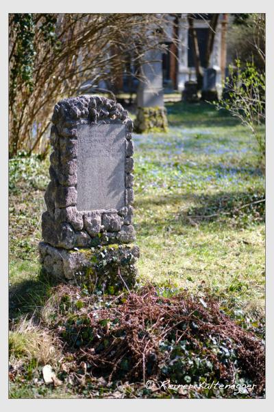 Grab der Familie Stelzer auf dem Alten Südfriedhof München (März 2021)