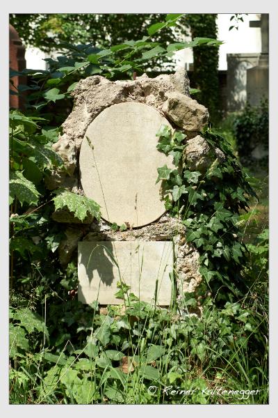Grab der Familie Ertl auf dem Alten Südfriedhof München (Juni 2014)