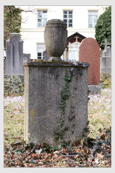 Grab der Familien Dietl · Seelig auf dem Alten Südfriedhof München (Februar 2020)