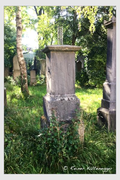 Grab der Familie Märkl auf dem Alten Südfriedhof München (August 2020)
