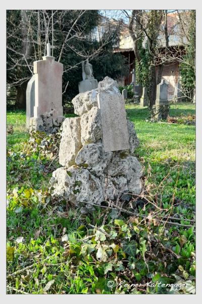Grab der Familie Schönig auf dem Alten Südfriedhof München (März 2021)