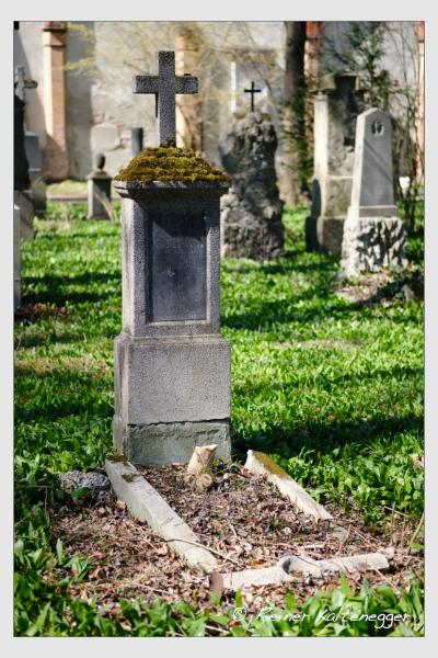 Grab der Familien Braun · Volk auf dem Alten Südfriedhof München (März 2021)