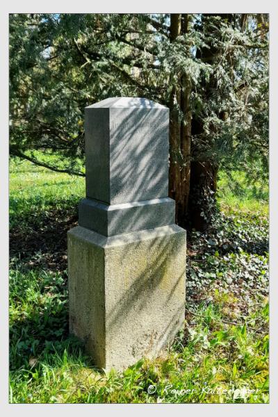 Grab der Familie Blaufuss auf dem Alten Südfriedhof München (April 2021)