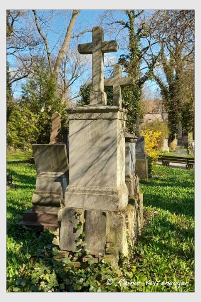 Grab der Familie Brunner auf dem Alten Südfriedhof München (April 2021)