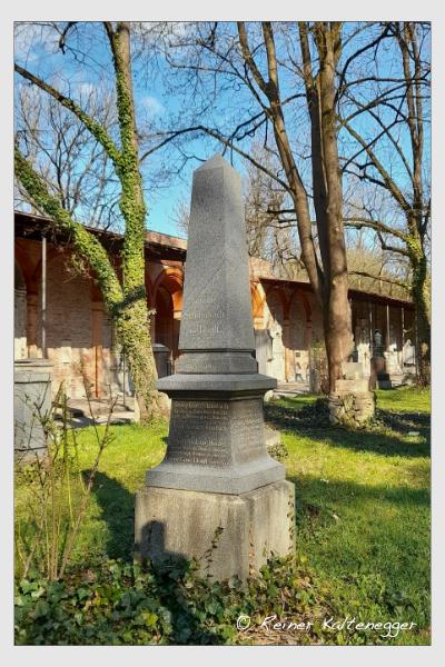 Grab der Familie Schlimbach auf dem Alten Südfriedhof München (April 2021)